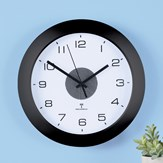 Split-second Precision Atomic Wall Clock With Light